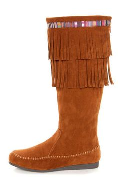 Moccasin Boot: the perfect boot for the low key nights this holiday season #lulusholiday