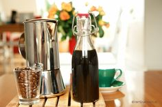 Espressolikör Espresso, Syrup, Veggies, Vegetarian, Sweets, Drinks, Cocktails, Cooking, Kitchen