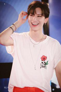 V Smile, Smile Icon, Good Smile, Taeyong, Winwin, Nct 127, Nct Taeil, Yuta, Ten Chittaphon
