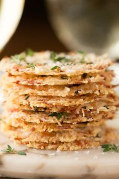 Parmesan Crisps with Thyme and Sea Salt - One of the most elegant, easy Italian inspired appetizers you'll ever have the pleasure of meeting. A delicious little bite to go with cocktails, on salads, or as a soup topping. Lunch Snacks, Clean Eating Snacks, Healthy Snacks, Healthy Recipes, Easy Recipes, Easy Meals, Thyme Recipes, Party Snacks, Rice Recipes