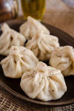 Zdjęcie: Chinkali z mięsem Georgian Cuisine, Georgian Food, Fruit Recipes, Cooking Recipes, Healthy Recipes, Kebab, International Recipes, Superfood, Family Meals