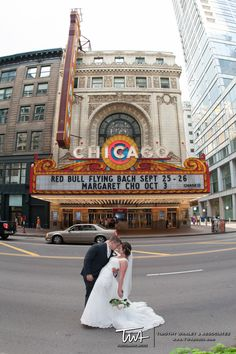 Wedding Photos outside the Chicago Theatre  | Timothy Whaley Photography | www.twaphoto.com