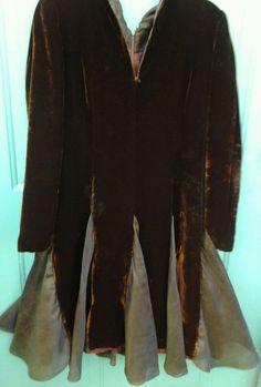 VTG CAROLINA HERRERA Brown VELVET w/SILK FLARES L/S FULL  DRESS sz 6