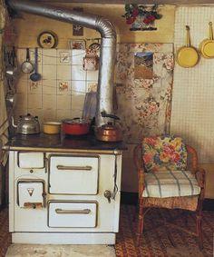 """vieille cuisine de campagne, cuisinière, photo Marie-France Boyer, livre """"Rural"""""""