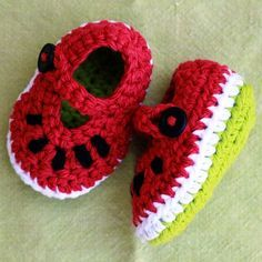 "Dainty Watermelon Mary Janes ☺ Free Crochet Pattern Not so much ""something my siiister would like"" as something I would like for my sister to make me (in my size 😃) Crochet Gratis, Crochet Amigurumi, Knit Or Crochet, Crochet For Kids, Easy Crochet, Crochet Baby Booties, Crochet Slippers, Baby Crafts, Mary Janes"
