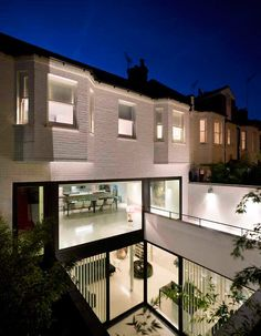 Andy Martin Architects' latest project, Mews 02, is a single family residence located in Belsize Park just northwest of London. You wouldn't know by looking at it, but it used to be a mechanic's garage!