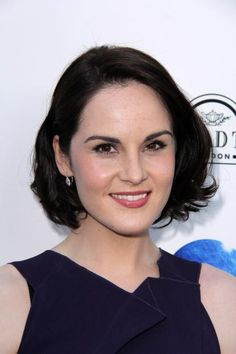 How To Get Michelle Dockery's Long Chin-Length Layers