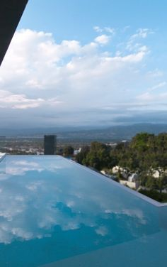 View of infinity pool (photo: Marc Angeles [Unlimited Style Photography]) Architecture Artists, Futuristic Architecture, Architecture Details, Building A Swimming Pool, Swimming Pools, Colani, Modern Pools, Dome House, Modern Exterior