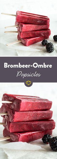 Gestern noch auf den Laufstegen von Paris und New York, heute in deiner kleinen, heimischen Küche – der Ombré-Look. Der Farbcode: Brombeere – mal ganz pur und mal mit einer Frischkäse-Joghurt-Creme vermischt. Ziemlich fesch, diese Popsciles…