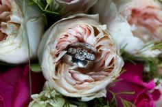 Wedding rings in a brides bouquet by Regalo Design