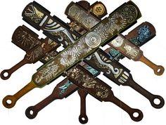 Macuahuitl - The Wooden Sword of Aztec Offensive Weapons: Macahuitl… Aztec Weapons, Aztecas Art, Close Quarters Combat, Ancient Aztecs, Aztec Warrior, Chicano Art, Chicano Tattoos, Mesoamerican, Inca