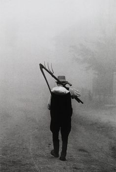 "yama-bato: "" Péter Korniss Dawn with a scythe Szék (Sic, Romania) 1974 "" Lyon, Anima And Animus, Romania Travel, City People, Documentary Photographers, Fine Art Photo, Folk Music, Dance Photography, Color Of Life"