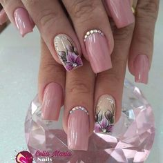 Dainty nails nail art in 2019 unhas decoradas, unhas, coisas de unha. Fancy Nails, Cute Nails, Pretty Nails, Acrylic Nails, Gel Nails, Nailart, Purple Nail Art, Bride Nails, Manicure E Pedicure