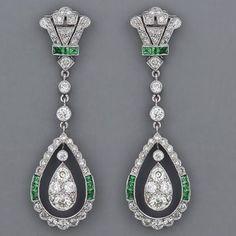 Fabulous Art Deco emerald and diamond earrings. by lbgerstel                                                                                                                                                                                 Más