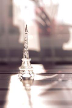 Glass Eiffle tower · Free Stock Photo