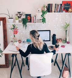 8 Tips For A Productive Home Office - Tips .- 8 Dicas Para um Home Office Produtivo – 8 Tips For A Productive Home Office – - Cozy Home Office, Home Office Space, Home Office Design, Home Office Decor, Home Decor, Office Ideas, Office Designs, Modern Home Office Desk, Modern Home Offices