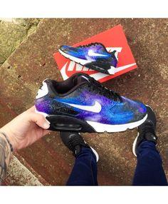 7b7cb7f18cae44 Nike Air Max 90 Galaxy Purple Royal Blue Trainer Giant Shoe Box
