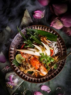 Menu shooting for Osha Bangkok. Thank you Chef for every great dishes. Best Thai Dishes, Best Thai Food, Food Design, Thai Recipes, Asian Recipes, Eat Thai, Sushi, Authentic Thai Food, Food Menu
