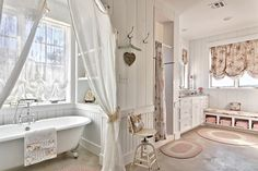 25 Beautiful Farmhouse Style Bathrooms | Home Design Lover