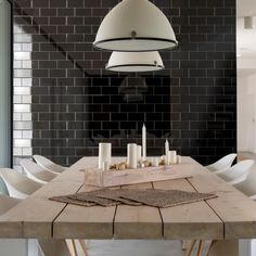 Fabulous mini metro tiles come in a range of colours including these stylish black metro tiles. These flat, gloss black tiles look great on their own as black wall tiles in kitchens and bathrooms or they can be co-ordinated with other tile colours from the range.