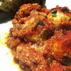 #Polpette di #tofu con #ragù vegetale... fantastiche!! A domani!!   ...dimenticavo! Presto la #ricetta su www.ricettelastminute.com ☺️  #ricette #vegan #vegetarian #vegano #vegana #vegetariano #me #italy #italia #sicily #sicilia #italy #pictureoftheday #photooftheday