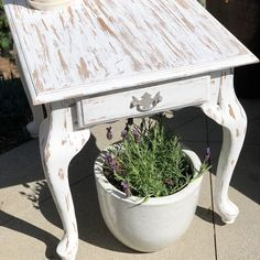 Farmhouse Chippy End Table For Sale Rustic Table, Farmhouse Table, Farmhouse Decor, End Tables For Sale, Fixer Upper, Burlap, Barn, Photo And Video, Furniture
