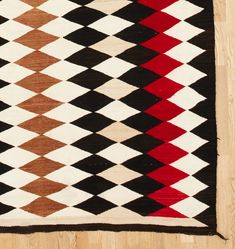 Large Exceptional Navajo Diamond Dazzler Rug - Antique & Vintage Home Decor - Vintage Area & Accent Rugs Vintage Wall Art, Vintage Walls, Vintage Rugs, Vintage Furniture, Mirrored Wallpaper, Porch Accessories, Reupholster Furniture, Art Deco Lighting, Drapery Rods