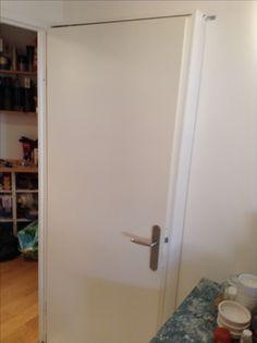 Kitchen, behind my door, 12 centimeters deep pantry (3/3)