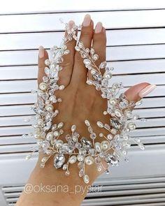 Handmade Jewelry Tutorials, Handmade Wire Jewelry, Bride Hairstyles, Headband Hairstyles, Classic Wedding Rings, Pearl Headband, Beaded Jewelry Patterns, Ivory Pearl, Bridal Necklace