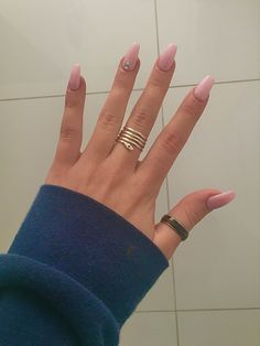 unha rosa com brilhantes Engagement Rings, Nails, Jewelry, Enagement Rings, Finger Nails, Wedding Rings, Jewlery, Ongles, Jewerly