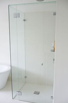 Fully Frameless Shower Screens