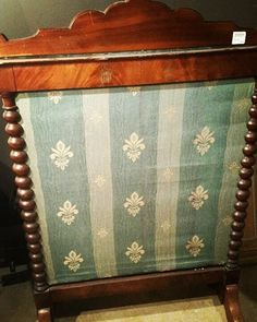 Vintage fireplace screen. #restylechicago #reluxvintage #resaleshop https://www.instagram.com/p/BP3gl0KhRe5/