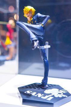 One Piece figure I WANT IT KNOW!!!!!!!!!!!