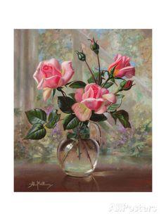 Madame Butterfly Roses in a Glass Vase Impressão giclée por Albert Williams na AllPosters.com.br