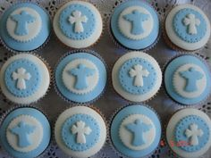Cupcakes originales mickey 68 ideas for 2019 Wedding Shower Cupcakes, Baby Shower Cupcakes For Girls, Diy Wedding Cake, Wedding Cakes With Cupcakes, Fondant Cupcakes, Fun Cupcakes, Cupcake Cakes, Cupcake Illustration, Comunion Cakes