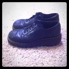 Women's black Dr. Martens In great condition.  Thick heel and very comfortable.  Hardly worn. Dr. Martens Shoes