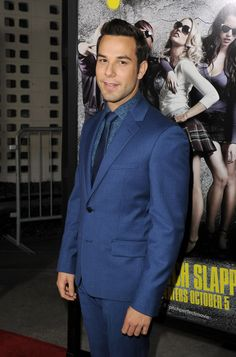 """Skylar Astin Photos Photos: Premiere Of Universal Pictures And Gold Circle Films' """"Pitch Perfect"""" - Red Carpet I Do Love You, I Love To Laugh, Hottest Male Celebrities, Celebs, Pretty People, Beautiful People, Pitch Perfect 1, Skylar Astin, Make Smile"""