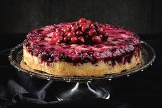 Maple & Cranberry Upside-Down Cake Cranberry Upside Down Cake, Cranberry Cake, Canadian Living Recipes, Cake Photography, Springform Pan, Fresh Cranberries, Pastry Cake, Serving Plates, No Bake Desserts