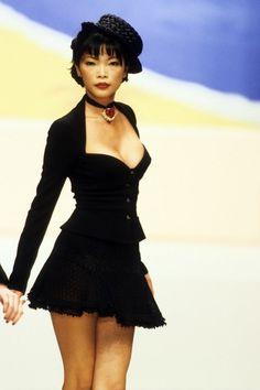 Couture Fashion, 90s Fashion, Runway Fashion, High Fashion, Fashion Show, Vintage Fashion, Fashion Outfits, Fashion Design, Timeless Fashion