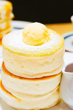 Here Are 18 Pancake Recipes From All Over The World Japanese Souffle Pancake Recipe, Japanese Fluffy Pancakes, Savoury Pancake Recipe, Pancake Recipes, Cafe Gram Pancake Recipe, Japanese Fluffy Cheesecake, Japanese Pancake, Savory Pancakes, Breakfast Recipes