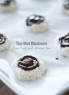 These easy Low Carb Thin Mint Macaroon cookies taste like your favorite thin mint candies! Low Carb, Dairy Free, Gluten Free
