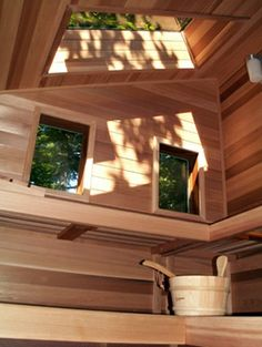 Sky Light Windows in this Sauna - Would love to have one at home. Sauna Steam Room, Sauna Room, Saunas, Sauna Kits, Sauna Accessories, Sauna Heater, Outdoor Sauna, Sauna Design, Finnish Sauna