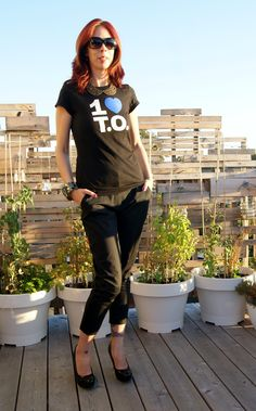Show your #Toronto love on a T-shirt!: http://www.thepurplescarf.ca/2014/10/fashion-my-style-i-love-toronto.html #1loveto #fashion #style #thepurplescarf #melanieps #mystyle