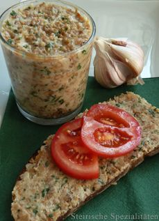 Grammel spread with garlic & parsley - recipe - Gram spread with garlic - Egg Roll Recipes, Slider Recipes, Popcorn Recipes, Dip Recipes, Tailgating Recipes, Tailgate Food, Potato Skins, Parsley Recipes, Poppers Recipe