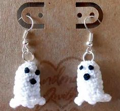 "Original pinner said, ""Source: http://crochetcauldron.blogspot.gr/2013/10/free-crochet-pattern-cutest-ghost.html"