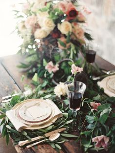 Timeless, elegant tablescape with vintage horn | Orange Photographie | see more on: http://burnettsboards.com/2014/08/symphony-wedding-edito...