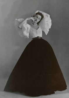 Evening gown by Jacques Fath, 1951. #vintage www.coutureallure.com