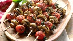 Chargrilled Mushroom and Cherry Tomato Kebabs Vegetable Kebabs, Good Food, Yummy Food, Best Vegetarian Recipes, Grain Foods, Cheap Meals, Food Presentation, Cherry Tomatoes, No Cook Meals