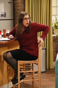 Mayim Bialik in The Big Bang Theory Big Bang Theory Funny, The Big Band Theory, Amy Farrah Fowler, Mayim Bialik, Jim Parsons, Grumpy Cat Humor, Meme Comics, Carl Grimes, Daryl Dixon