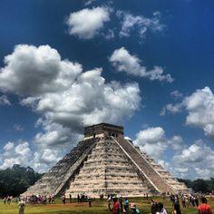 La legendaria ciudad maya de Chichén Itzá, Patrimonio de la Humanidad declarada por la UNESCO desde 1988 y Maravilla del Mundo desde 2007 no deja indiferente a nadie.